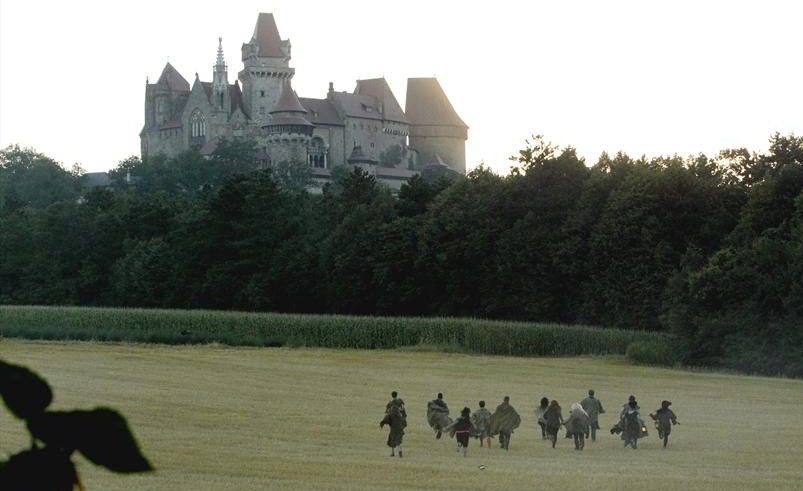 The Quest's Paladins run toward the castle