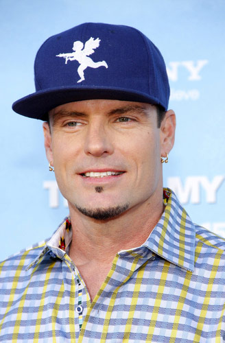 Vanilla Ice uses his arrest to promote his DIY reality series