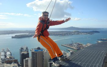 Andy Dehnart on Auckland's Sky Tower's SkyWalk