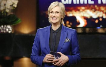 2015 reality TV host Emmy Jane Lynch Hollywood Game NIght