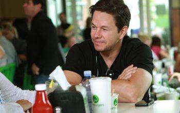 Mark Wahlberg, Wahlburgers