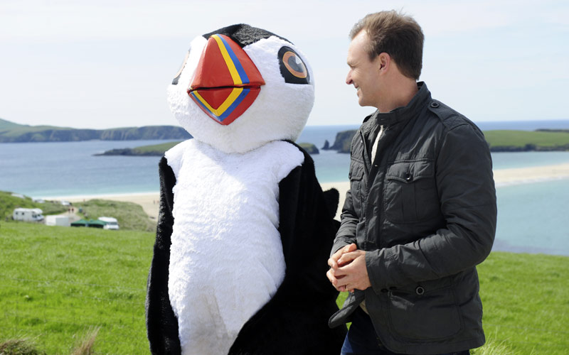 Amazing Race, Phil Keoghan, puffin, Scotland
