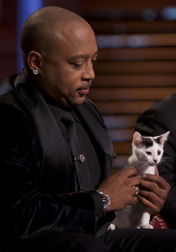 Daymond John, cat, Shark Tank, episode 727