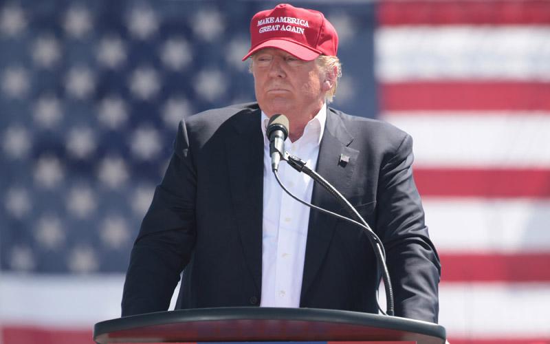 Donald Trump, Fountain Hills, Arizona, Make America Great Again hat
