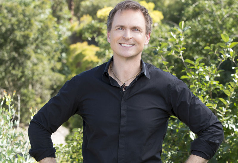 phil-keoghan-amazing-race-29.jpg