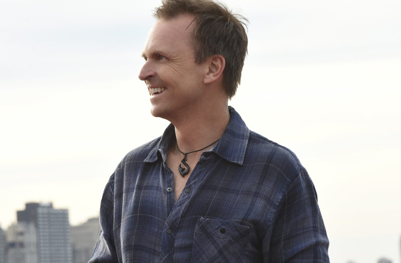 Phil Keoghan, Amazing Race 29, Chicago, finish line