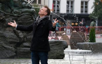 Phil Keoghan, Amazing Race 30, Belgium
