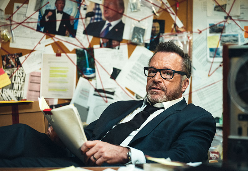 Tom Arnold, The Hunt for the Trump Tapes