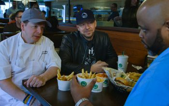 Preview: On Wahlburgers, Donnie offers Paul feedback and life advice