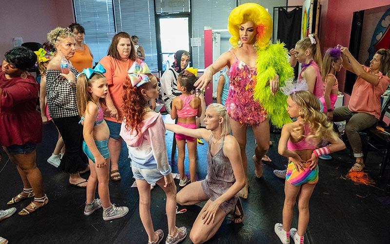 Dancing Queen Drag Race S Alyssa Edwards Is Coming To Netflix