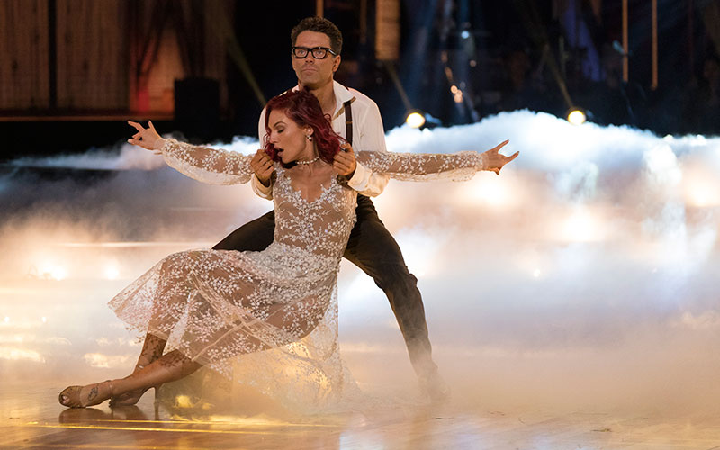Bobby Bones, Sharna Burgess, Dancing with the Stars 27, country night