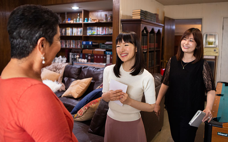 Marie Kondo, interpreter Marie Lida, Tidying Up with Marie Kondo, Netflix