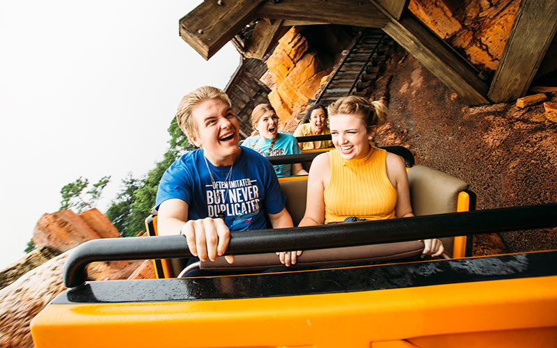 Maddie Poppe, Caleb Lee Hutchinson, Catie Turner, Big Thunder Mountain Railroad
