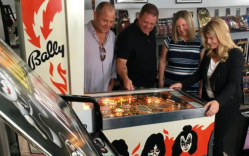 Lisa Whelchel, Collector's Call, Zac Vege, KISS pinball machine
