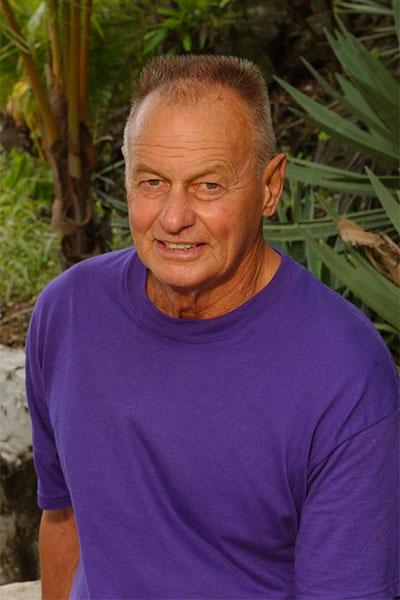Rudy Boesch on Survivor Borneo in 2000