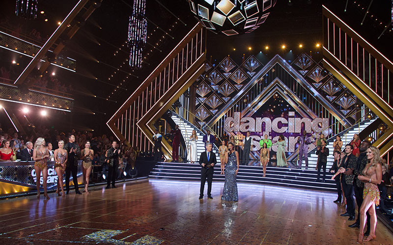 DWTS has a brand-new set and live voting. It still feels old and creaky.