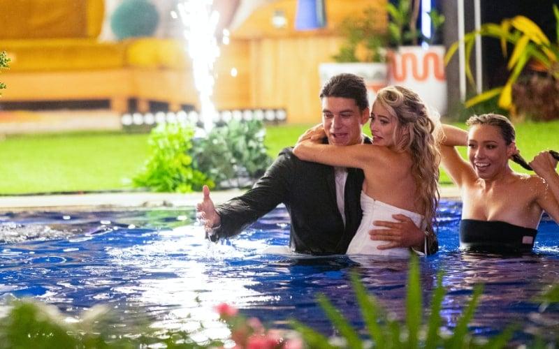 Zac Mirabelli, Elizabeth Weber, and Alexandra Stewart during the Love Island USA season one finale.