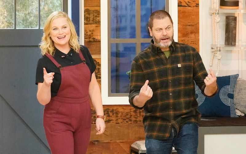 Making It hosts Amy Poehler and Nick Offerman during the season 2 episode