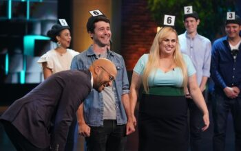 Rebel Wilson plays a game about the subconscious on Brain Games, hosted by Keegan-Michael Key