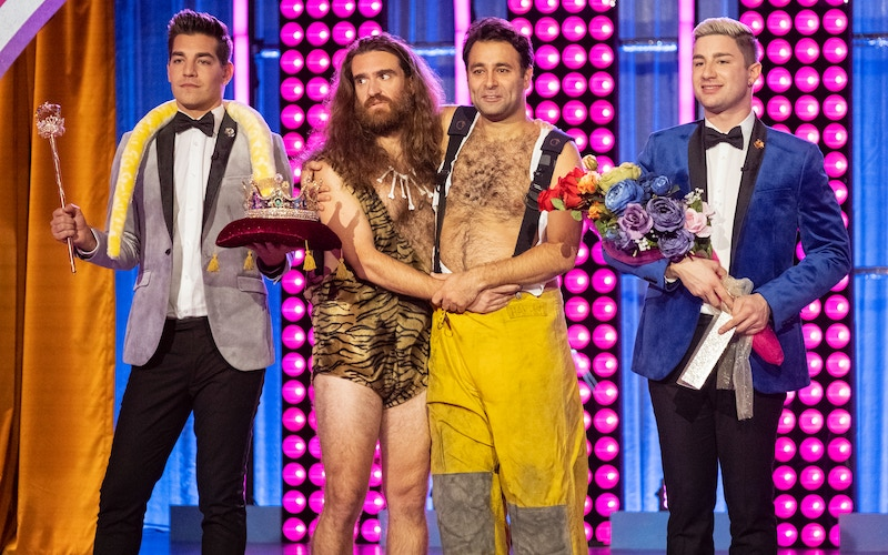 "Gayme Show hosts Matt Rogers (far left) and Dave Mizzoni (far right) with two straight guys competing to become ""gay as fuck"""