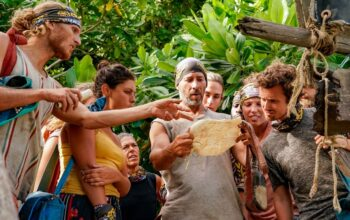 """Tyson Apostol, Michele Fitzgerald, Denise Stapley, Tony Vlachos, Kim Spradlin, Jeremy Collins, Sarah Lacina, and Adam Klein read a note from producers titled """"How to Use an Awl"""" on Survivor: Winners at War episode 8"""