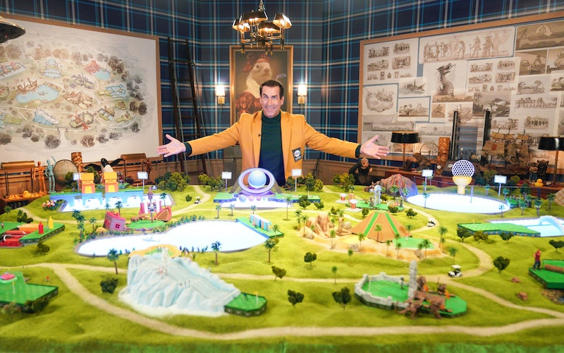 Rob Riggle and Holey Moley season 2's Epcot-inspired model and Walt Disney-inspired set