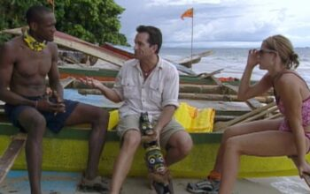 Jeff Probst (center) describes the Survivor Borneo episode 5 immunity challenge to Gervase and Kelly.