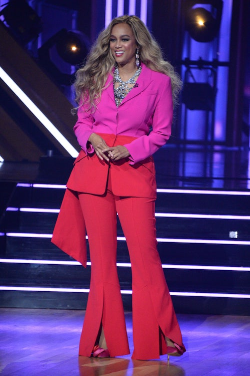 Tyra Banks hosting the season premiere of Dancing with the Stars 29.