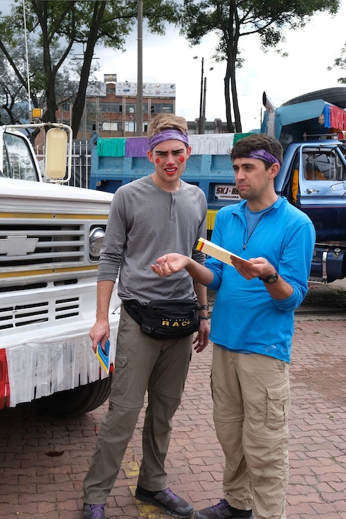 Will Jardell and James Wallington try to figure out what they're missing on a challenge during The Amazing Race 32's second episode