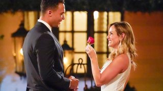 Clare Crawley offers Dale Moss her final rose on The Bachelorette 16
