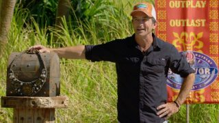 Jeff Probst with the individual immunity necklace during Survivor Winners at War episode 10