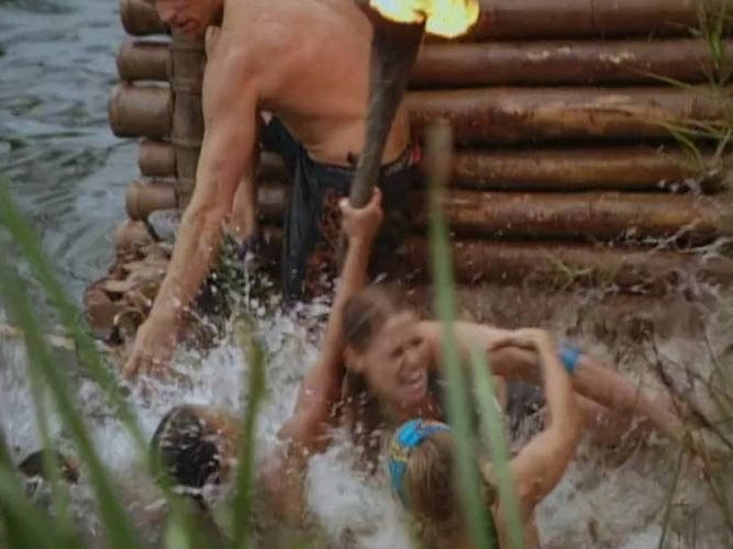 Kucha's raft flips over and Alicia tries to keep the torch lit during the first Survivor: The Australian Outback immunity challenge