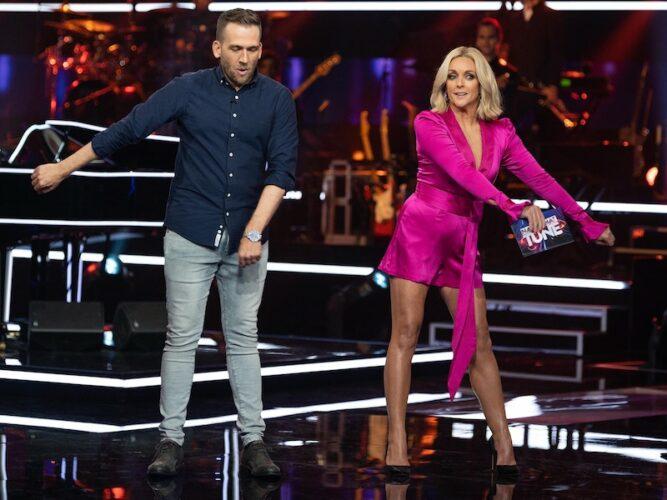Name That Tune contestant Edmund dances with Jane Krakowski on Name that Tune