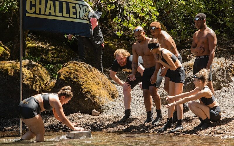 The very first challenge on The Challenge: All Stars left the cast struggling to swim in cold water and retrieve heavy blocks