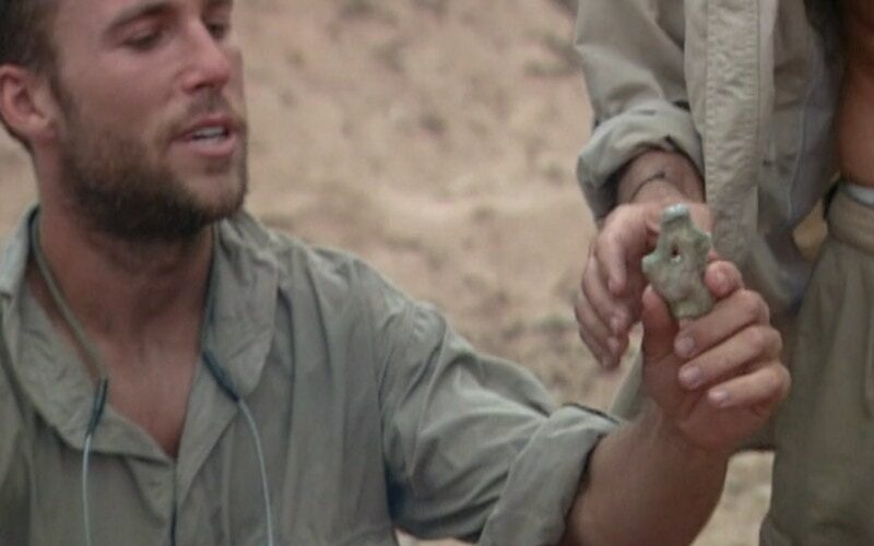 On Survivor: The Australian Outback, Colby Donaldson distributes coral that he illegally took from The Great Barrier Reef