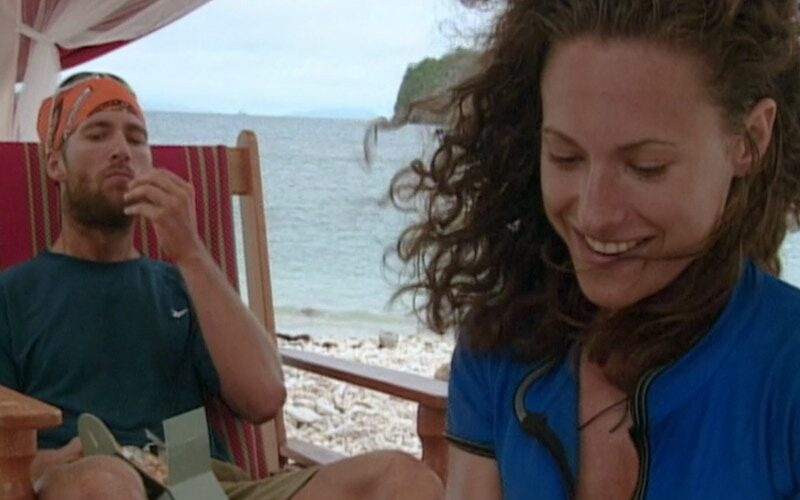 Colby and Jerri enjoying their reward feast at the Great Barrier Reef on Survivor: The Australian Outback