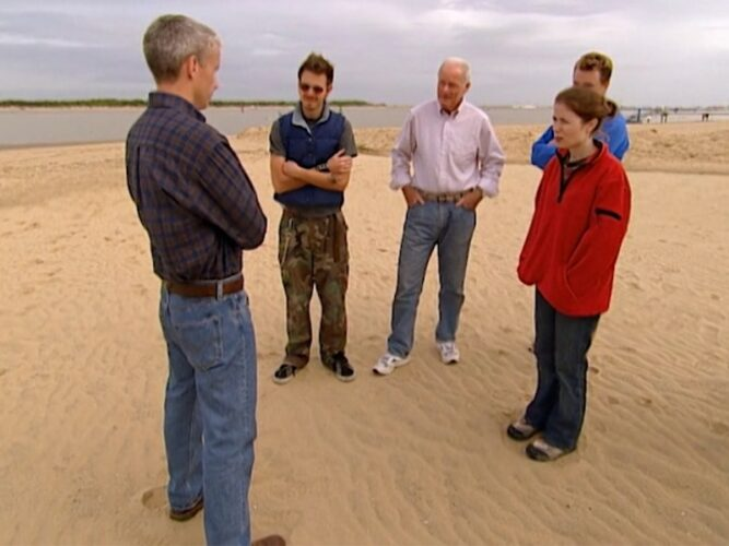 Anderson Cooper, left, with The Mole season 1's final four: Jim, Charlie, Steven, and Kathryn