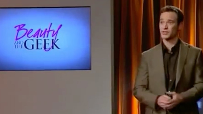 Mike Richards hosts a mock game show as part of the Beauty and the Geek season 5 premiere on The CW.