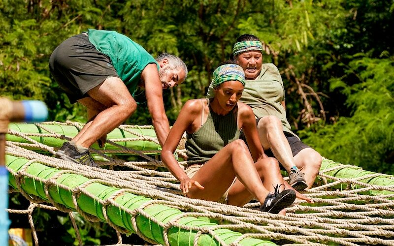 Ricard, Shan, and Genie scramble during the Survivor 41 combined reward/immunity challenge before they scrambled before Tribal Council.
